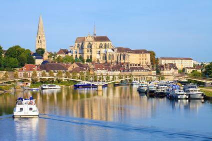Auxerre chef lieu de l' Yonne, Sens, Avallon le Vezelay