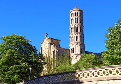 UZES ville millénaire histoire patrimoine activité culture
